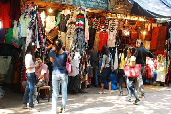 Flea-market-at-Janpath