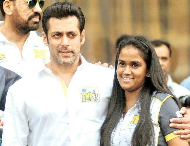 bollywood siblings and their unexpected age gaps-Salman Khan and Arpita Khan