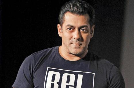 celebrities who owned licensed guns once in lifetime-salman khan