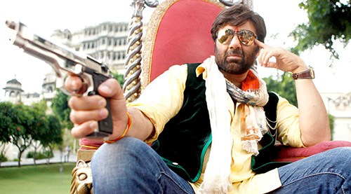 celebrities who owned licensed guns once in lifetime-sunny deol